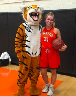 Stephanie Lyons '18 Scores 1,000th Point