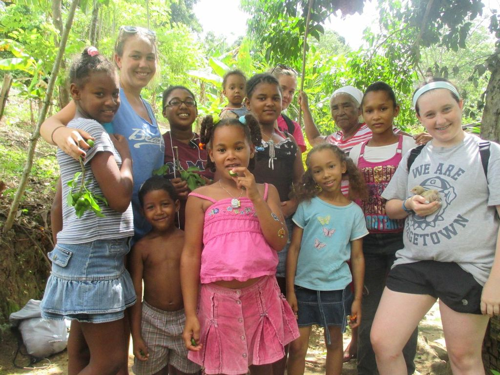 Students with children from the Dominican Republic