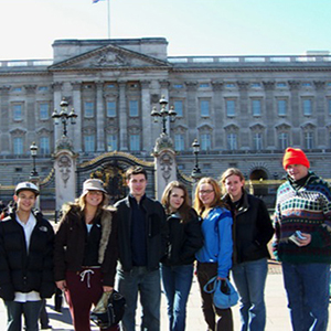 Students in front of Buckingham Palace
