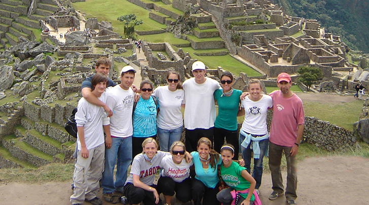 Students and faculty in Peru